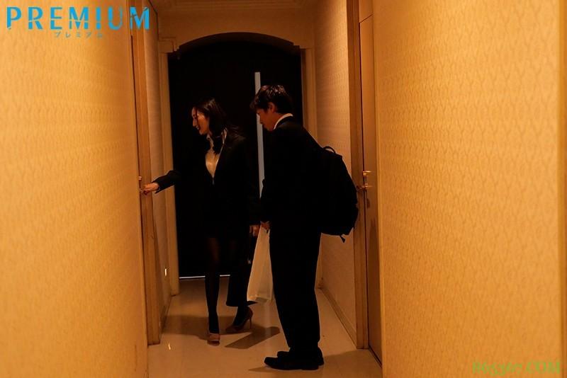 PRED-293:错过末班车与爆乳前辈JULIA在情人旅馆做了好几次中出性爱…