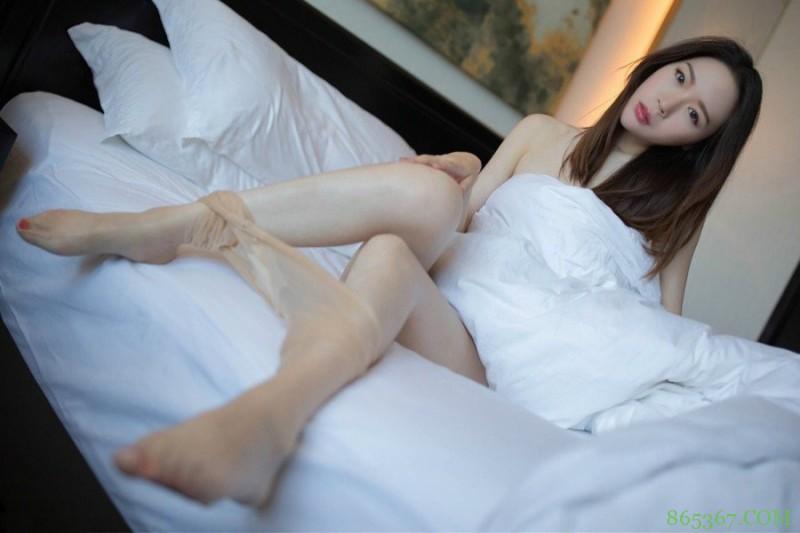 XiuRen(秀人)女神梦心月羞羞床照 身材惹火床上功夫过人