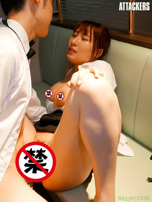 ADN-282:神乳荡妇「日下部加奈」带小鲜肉回家偷情!