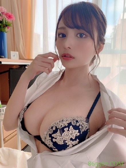 伊藤舞雪CAWD-091 巨乳姐姐安慰陷入婚姻倦怠期妹夫