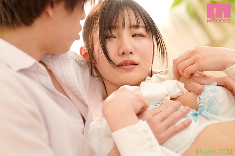 """MIFD-156 :好色少女""""伊东爱瑠""""3P乱交,面对两根粗壮老二还能面不改色。"""