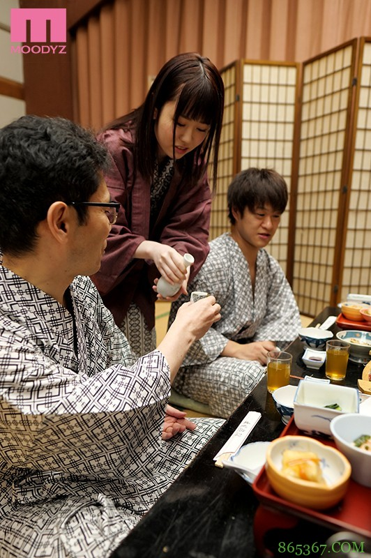 MIDE-898 :新进美女员工【水卜さくら】被上司带去泡温泉被屈辱地玩爽爽!