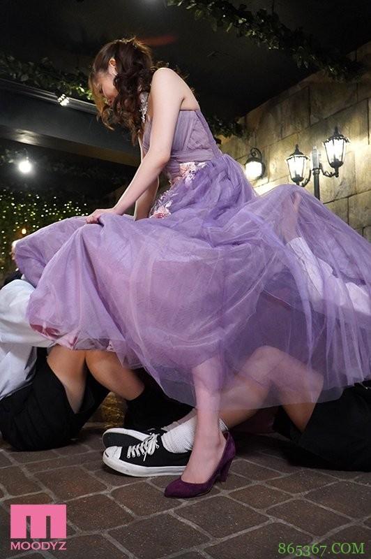 东希美MIAA-408 美丽新娘忍受小恶魔在裙下活动