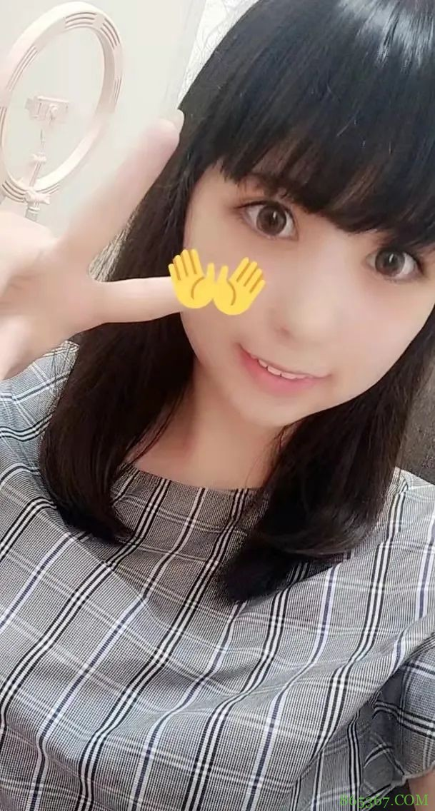 深田咏美销量稳居业界第一 火辣艺人承认整容吸粉无数