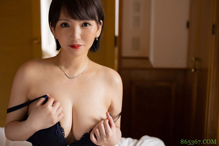 小笠原るい(小笠原留衣)JUL-710:I级艳后湿润现身!