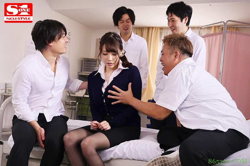 SSNI-752 :大奶老师「安斋拉拉」成为学生课后点心轮流享用J奶!